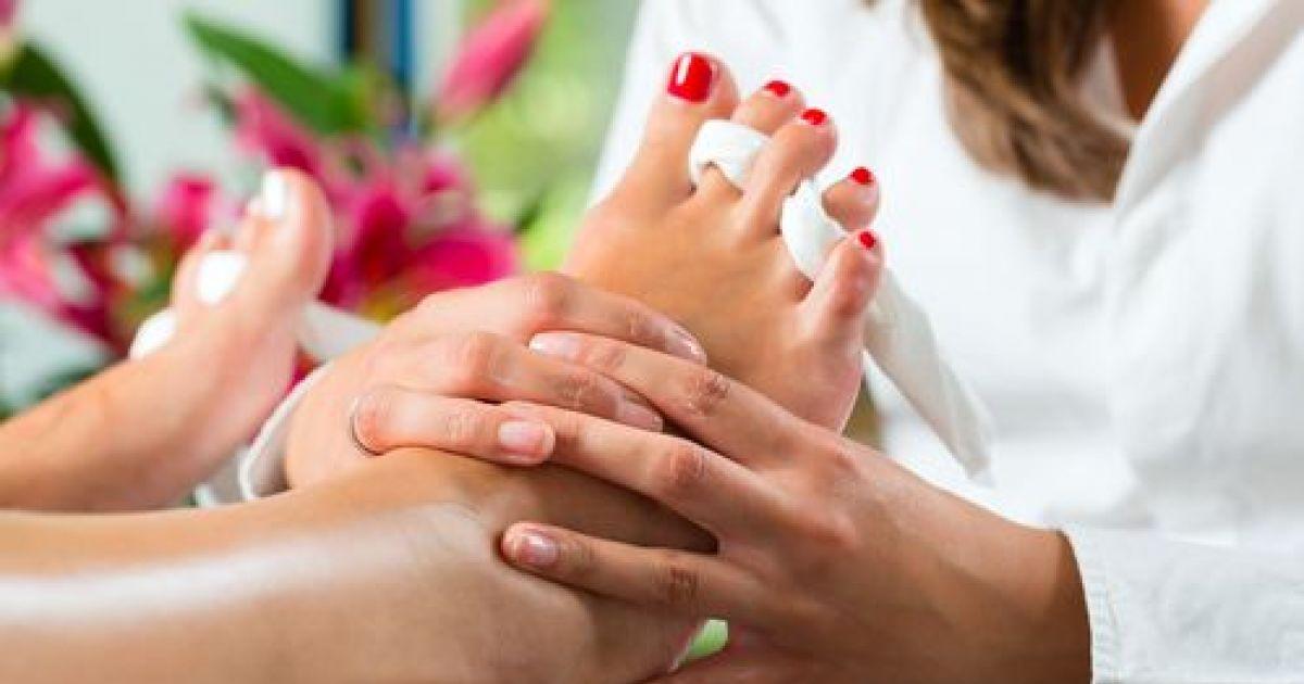 massage-des-pieds-et-pose-de-vernis-au-spa-7069-1200-630